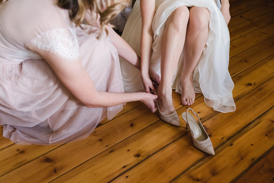 kate-martens-photography-gb-salmond-wedding_calderwoodhall_0105