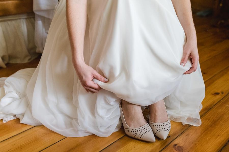 kate-martens-photography-gb-salmond-wedding_calderwoodhall_0106