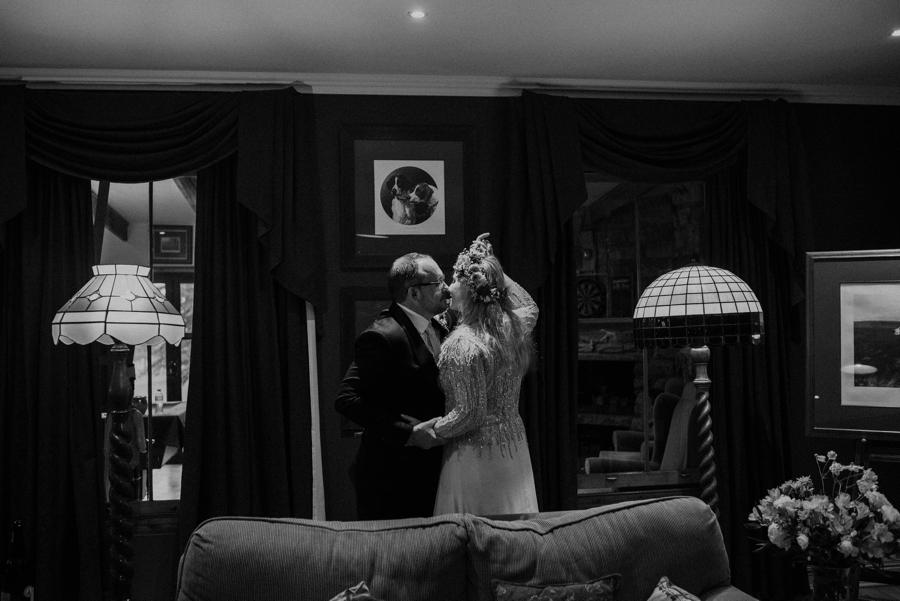 Kate Martens Photography_Sam&Gareth,TheGalleryFarsideFarm_0071